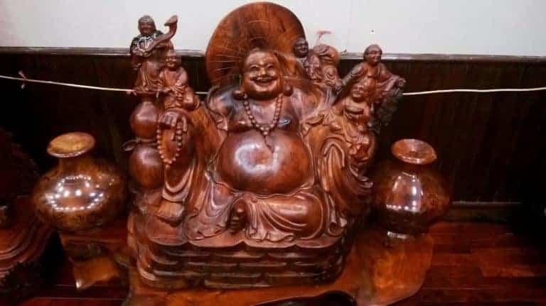 """Trang trí nhà với tượng gỗ theo phong thủy: Xu hướng """"thời thượng"""""""